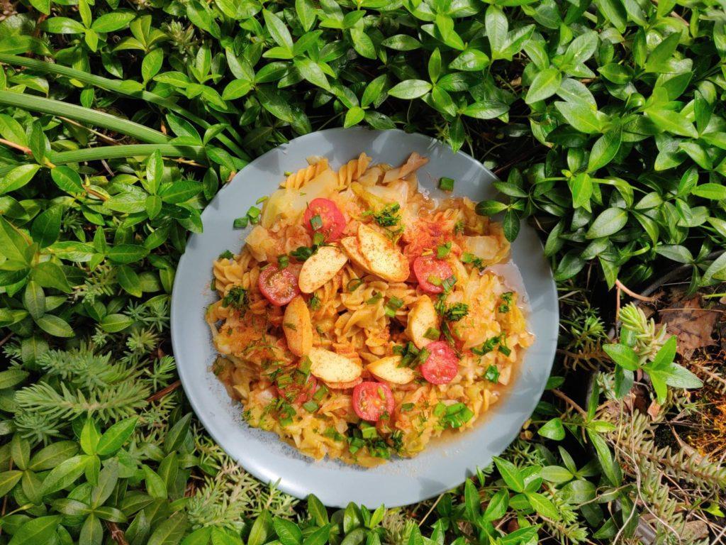 makaron a la łazanki w wersji wege