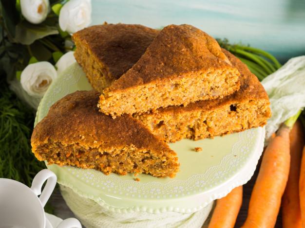 Pyszne i łatwe w przygotowaniu ciasto marchewkowe