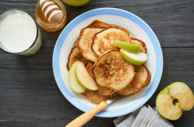 Bezglutenowe racuchy z jabłkiem w wersji wegańskiej