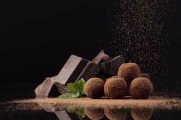Trufle z fasoli otoczone w czekoladzie