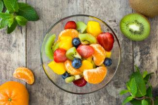 Sałatka owocowa z letnich owoców